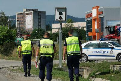 politsiya-kamera-skorost-patrulka-2-politsai-scaled.jpg