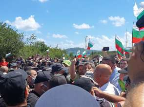 Протести от вчера в страната, продължават и днес